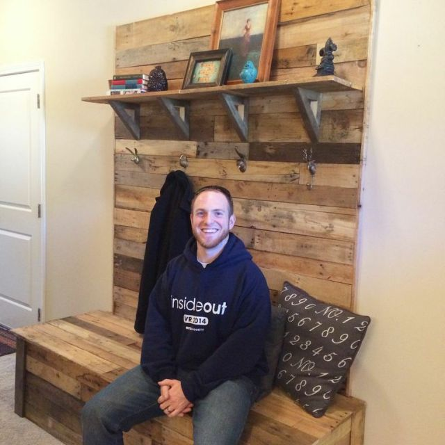Pallet Bench Entryway